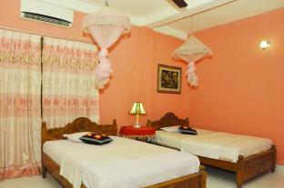 Ajith's Rooms with Safari Jeep