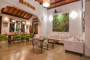 The Pineapple Villa