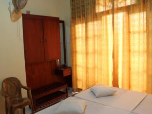 Ceyloni Lake Residency