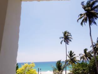 wave & deep beach resort