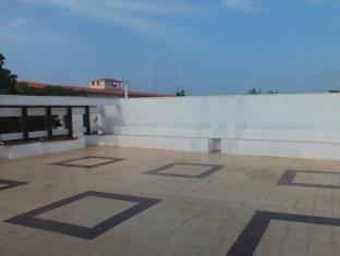 Subhas Tourist Hotel