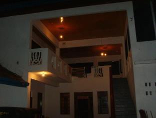 Buddes Beach Restaurant and Guest House