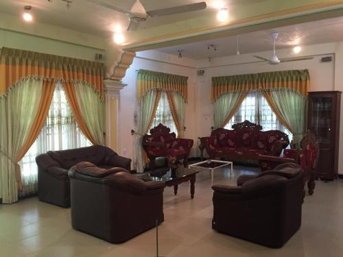 Mahinda Riverface Hotel