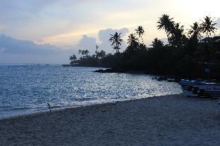 SERENA B/B Talalla beach naotunna road