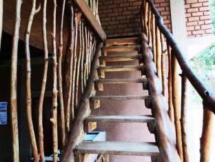 Jungle House Udawalawe Holiday Lodge