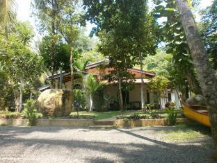 Villa Ali